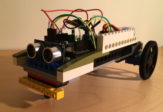 A lego robot car with arduino and servo motors