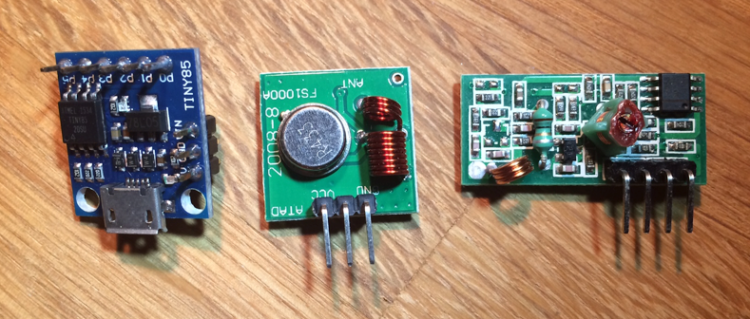 A low energy open door detector with radio signals and MQTT