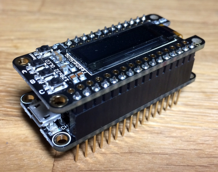 A sensor monitor with OLED in MicroPython – Thingsmatic